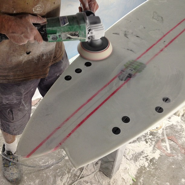 Assymmetrical is no problem @diversesurf and #dynocore #surfing #surfboards always #changing always #different