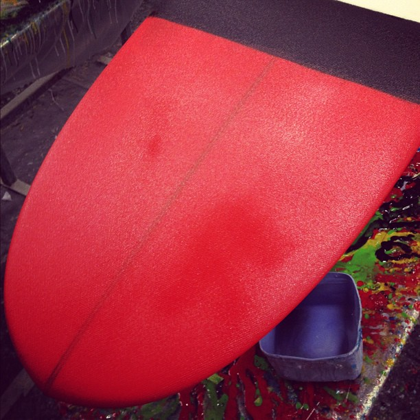 #longboarder #surfgirl Chelsea Williams makes others #redwithenvy @diversesurf