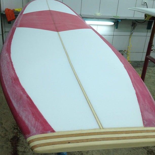 #fridayspecial #redwine #tint #wooden #tailblock #noserider
