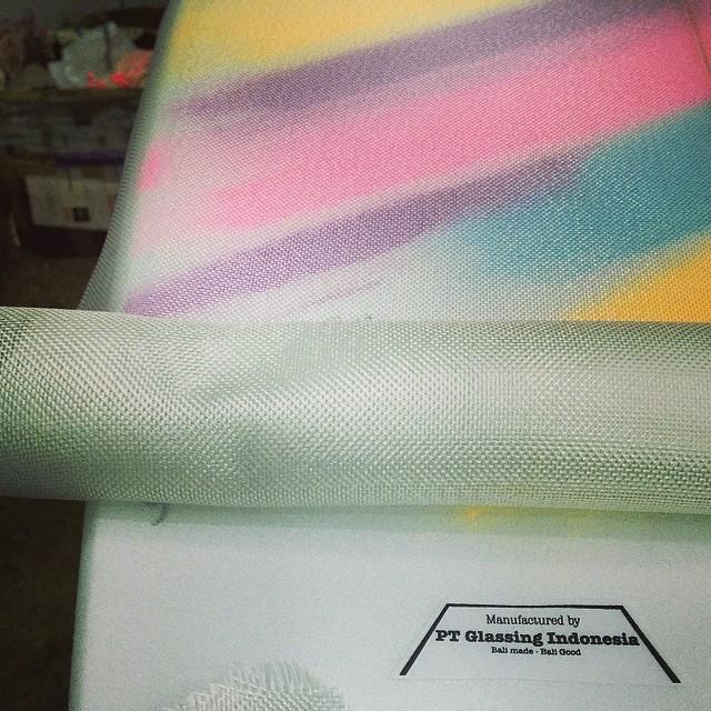 #foamart #glassing #customsurfboard #ptindoglass #balimadebaligood #polyester