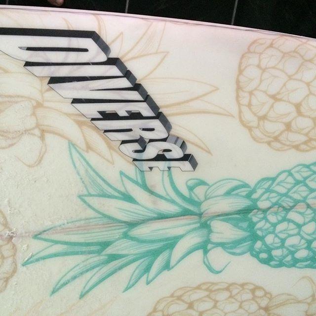 #getyourspiceon #nanas #pineapple #customart #freshfruit #surfboard
