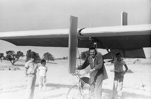 #designers #lifeexperiences #dads #gyrogearloose #homemade #dragdefying #flyingmachines