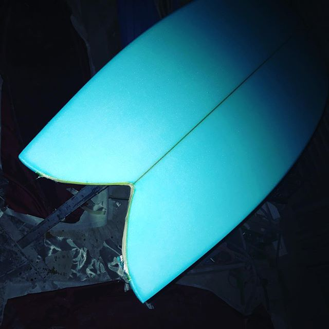 #bluetailed #twinfin #customsurfboard #goldcoast #classic