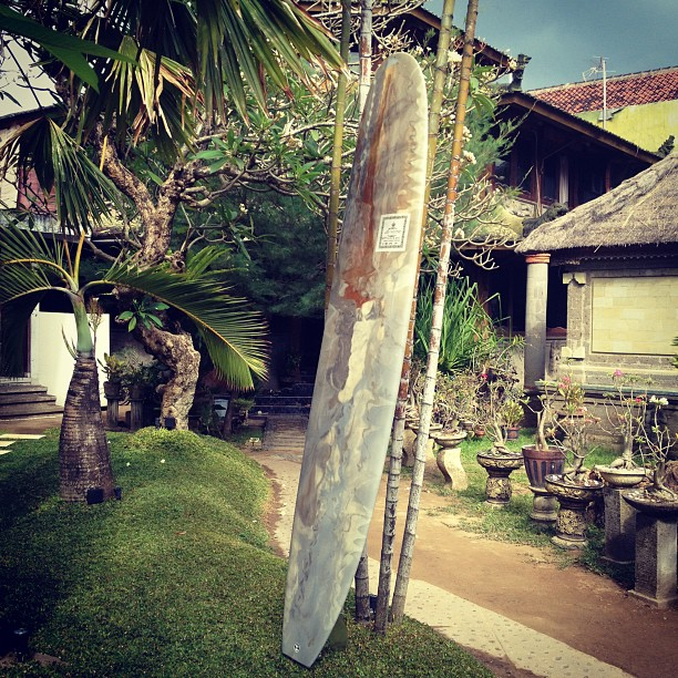 It's #logtime @diversesurf in #bali Babi gulang or pig in English... 9'1 x23x3.... Pure glide