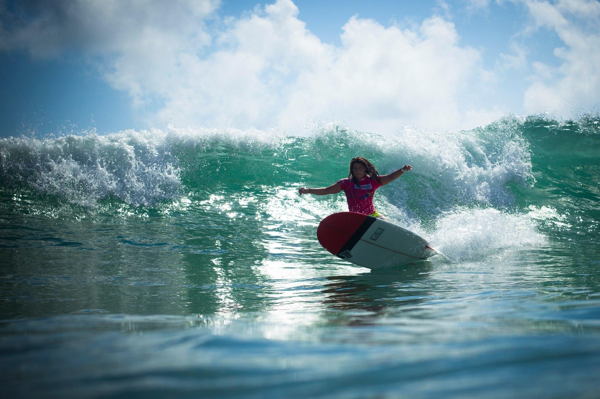 longboard girl ripping