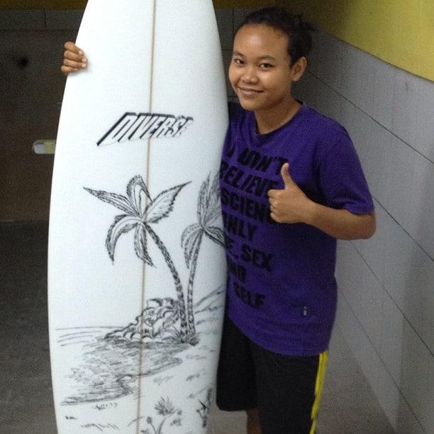 #surfart #girlsmakingsurfboards #posca #linedrawings #balimadebaligood