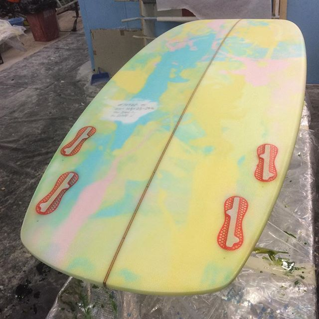 #paddlepop #bubbleberry #ts #tombstone #damsin #custom #resincolor #surfboard #fcs2 #twad