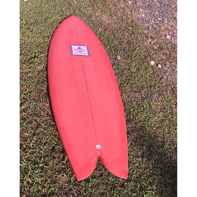 #twinfin #wooden #keels #resintint #modernvintage #classic #surfboards