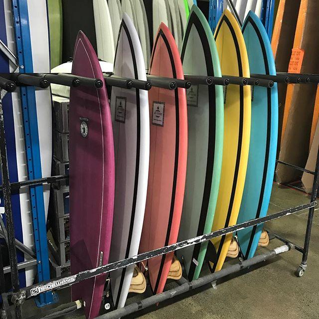 @sideways_surf #twinfin #twinkeel #modernvintage #surfboards #origionaldesign #smallwave #fun